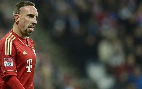 Sự trở lại của Franck Ribery như cơn mưa tưới mát các cầu thủ của Bayern.