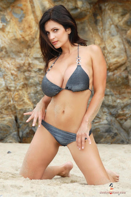 Denise-Milani-Beach-Silver-bikini-hottest-photoshoot-pics-9