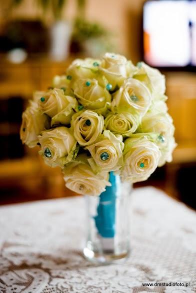 bukiet-ślubny-z-róż
