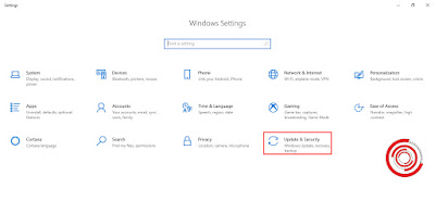 1. Silakan kalian buka menu Windows Settings lalu pilih Update & Security