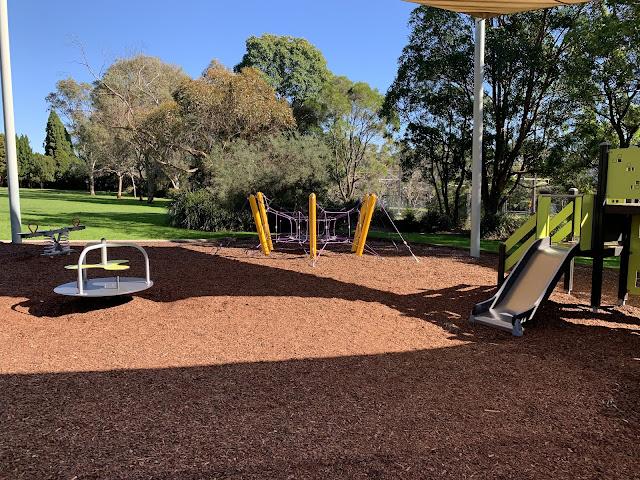 สวนสาธารณะเมืองนอกกับไลฟ์สไตล์แม่บ้าน