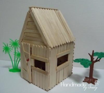 บ้านไม้ไอติมหลังคาสูง