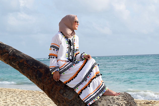 Summer Beach Outfit-DODO BAR OR Dress-Dominican Republic-Hijab-Modest Beach Fashion-Kayu Piñata Tote