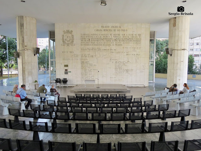 Vista ampla do Auditório aberto do Palácio Anchieta - Bela Vista - São Paulo