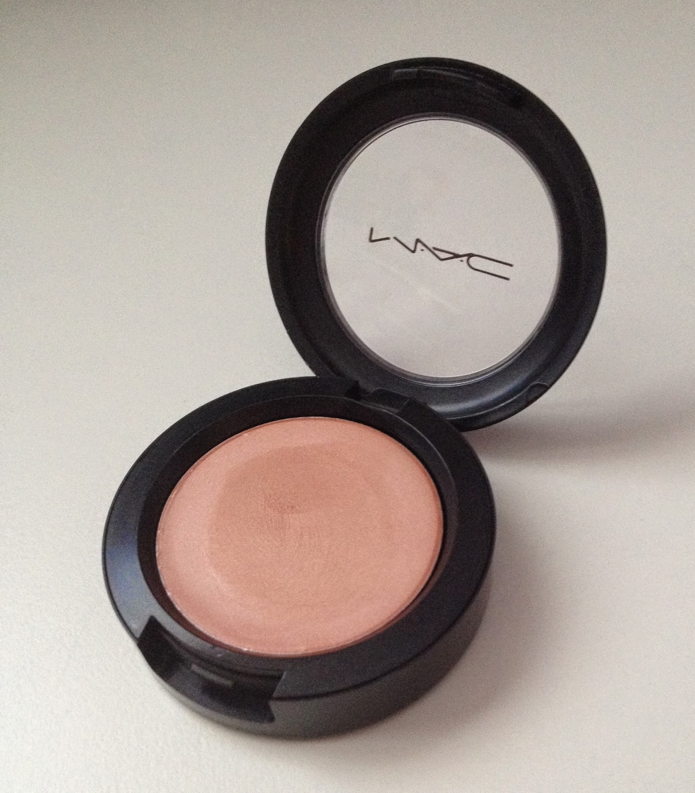Iluminadores Mac Diario De Una Pinturitas Cream Colour Base Hush Quotmac Quot