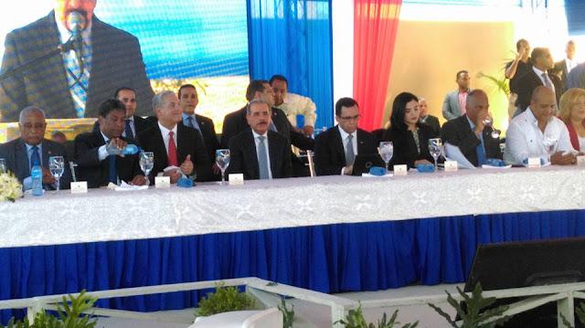 Gonzalo Castillo anuncia que la próxima semana se estara dando el primer Picazo para el mercado de Barahona ,dos proyectos habitacionales y un matadero municipal