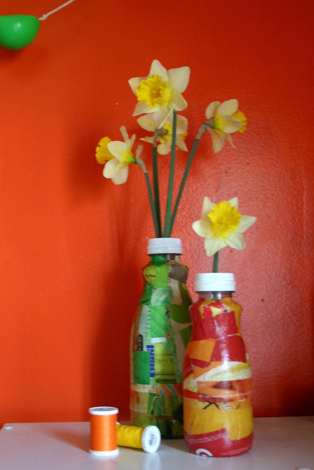 Plastic Bottle Flower Vase   Gardening: Flower and Vegetables on animals made of plastic bottles, wall art made of plastic bottles, lamp made of plastic bottles, baskets made of plastic bottles,