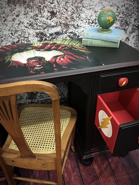 desk_makeover_with_The_Flash_drawer_and_The_Hulk_desk_top