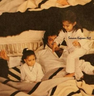 Childhood Pictures: Sonam Kapoor Childhood Pics
