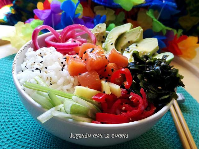 Poke Bowl De Salmón Marinado Y Algas