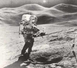 L'astronauta David Scott sulla Luna, missione Apollo 15.