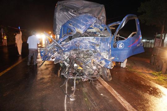 Gia Lai: Tai nạn nghiêm trọng giữa 2 xe giường nằm và 1 xe tải, hàng chục người thương vong