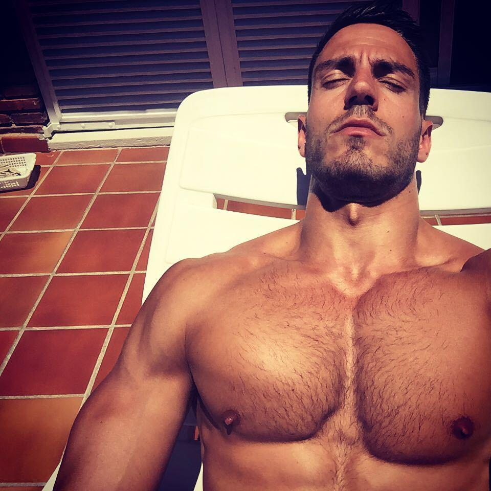 shirtless-muscle-iluis-tura-body-pictures