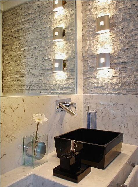 pedras-decorativas-na-parede-lavabo-banheiro