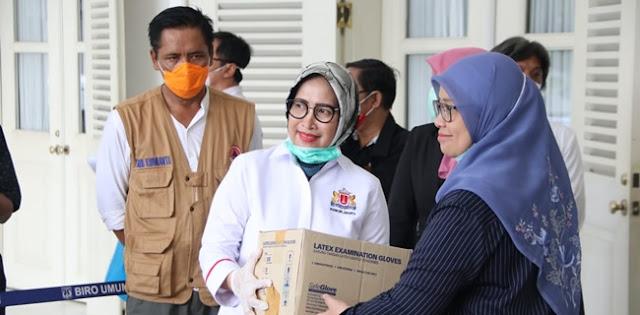 Salurkan Bantuan untuk Tenaga Medis, Kadin DKI: Kami Terinspirasi Pak Gubernur
