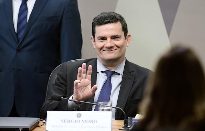 Ex Juíz Sérgio Moro se filia ao Podemos e inicia correria Política. Especialistas dizem que presidência ainda é cedo.