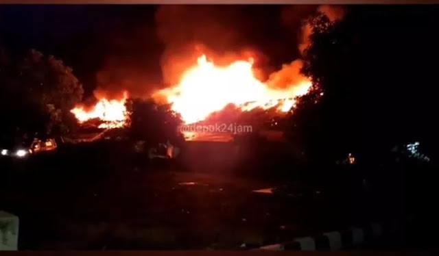 Kebakaran Landa Asrama Mako Brimob Kelapa Dua, Puluhan Petugas Damkar Dikerahkan