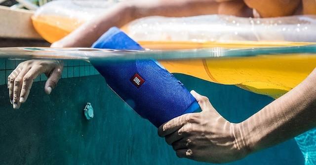 Caixa de Som JBL à prova d 'água