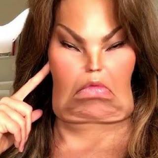 Thalía publicó foto de su cara modificada, los reproches