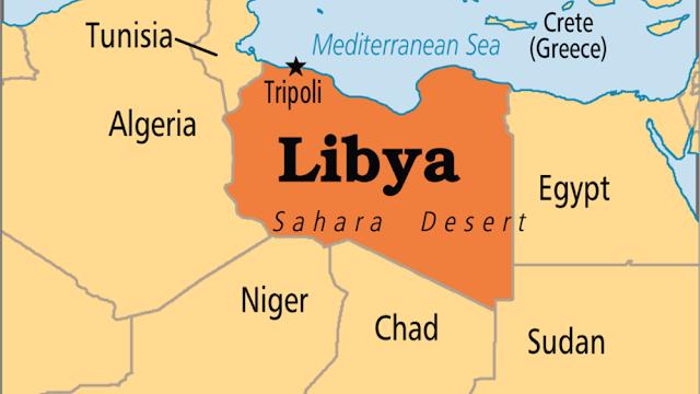 Λιβύη: Βροχή από ρουκέτες στην Τρίπολη