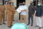 Bentuk Kepedulian, Pengusaha Labuhanhaji Raya Salurkan APD ke Pemkab Aceh Selatan