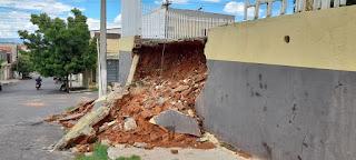 Forte Chuva em Crato derruba muro da Igreja De São Francisco