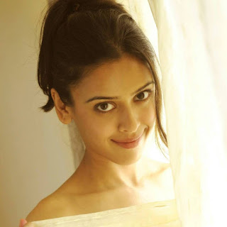 Hrishita Bhatt hot movies, marriage, married, wiki, biography