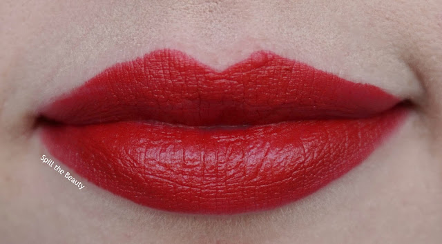 Stila stay all day matteificent lipstick bisou review swatches lip swatch