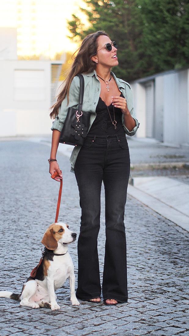 Casual streetstyle - salsa flared jeans, oysho body, zara blouse, TOUS accessories, rayban sunglasses