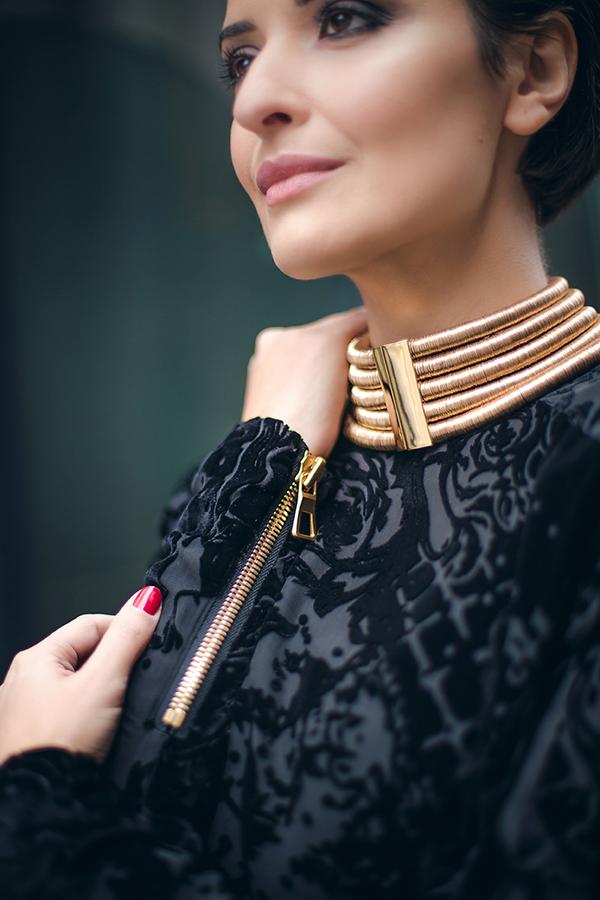 balmain neck piece