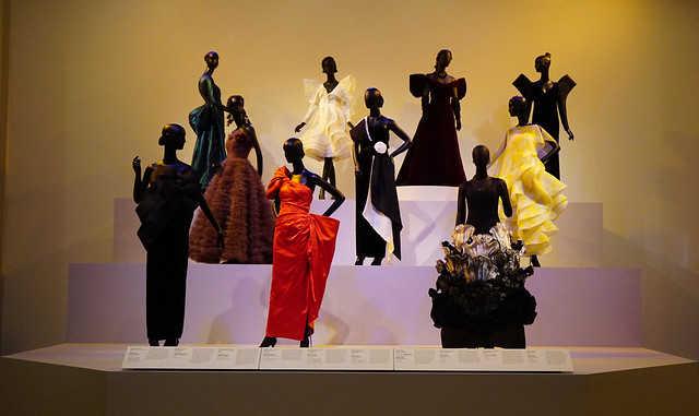 ماركة ازياء ايطالية,عرض الازياء,مصممة ازياء,الازياء,عرض ازياء فساتين,الموضة, المجوهرات