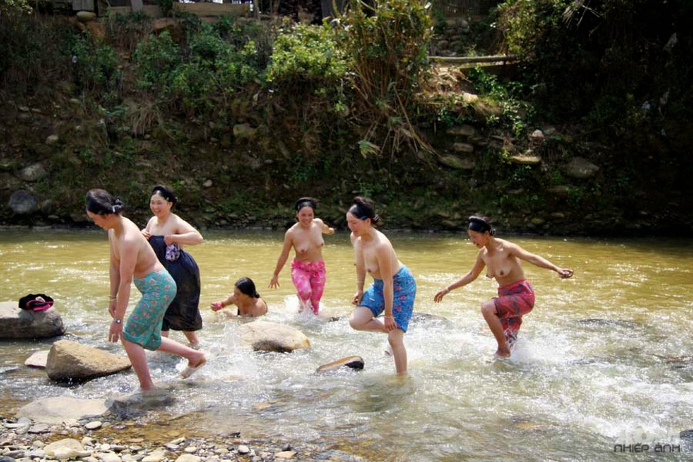 china-swimming-naked-video-women-older