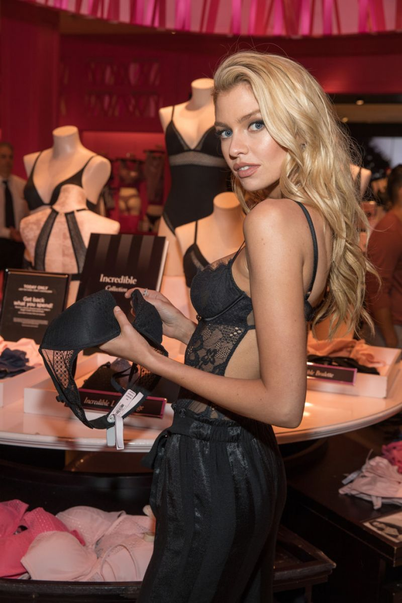 Stella Maxwell – Victoria's Secret Celebrates New Fall Collection in Dallas