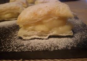 dulces-de-hojaldre-y-crema-pastelera-miguelitos