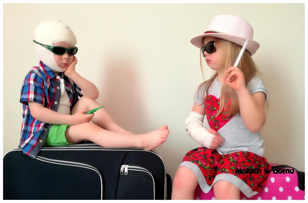 Przypadki i wypadki na wakacjach - co spakować do apteczki?