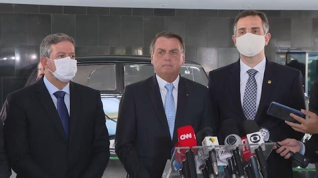Bolsonaro diz que pediu pra Lira pautar projeto do 'álcool desde a refinaria'