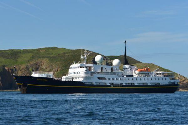 Δυο κρουαζιερόπλοια της βρετανικής Noble Caledonia το καλοκαίρι στο Ναύπλιο