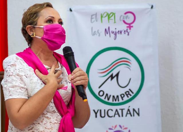 Mónica Anguas, sobreviviente al cáncer de mama, recolecta accesorios para mujeres con esa enfermedad