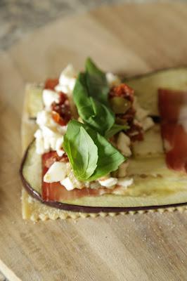 pâte à lasagne , aubergines , tomates