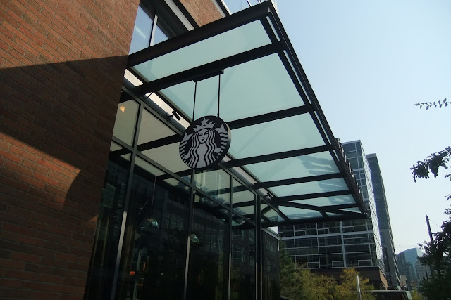 starbucks-coffee-amazon-campus