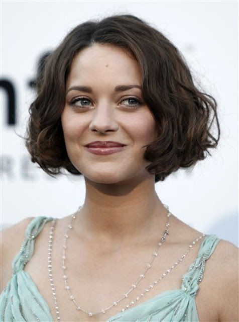 French Actress Marion Cotillard Hot Pictures Navel Queens