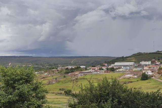 Inmet emite alerta de perigo potencial de chuvas intensas na Bahia