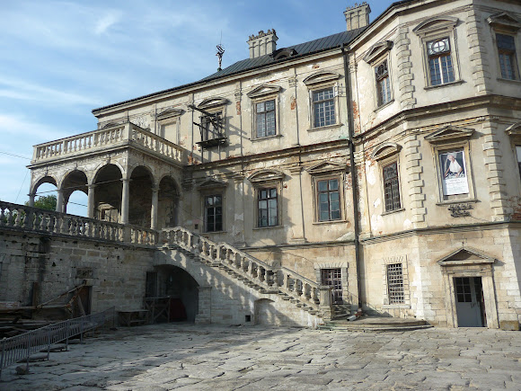 Підгорецький замок. Сходи з терасами і балюстрадами