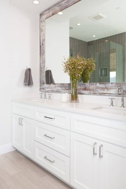different types of bathroom mirrors