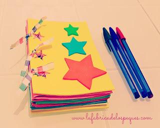 Cuaderno decorado con foami