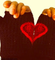 http://translate.googleusercontent.com/translate_c?depth=1&hl=es&rurl=translate.google.es&sl=en&tl=es&u=http://claraunravelled.co.uk/free-crochet-pattern-heart-gloves/&usg=ALkJrhgksVPriL4jLIR13kL5WmQKC7g6Tg