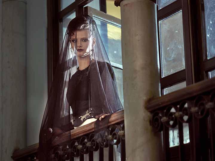 peinado de novia recogido con velo 2020