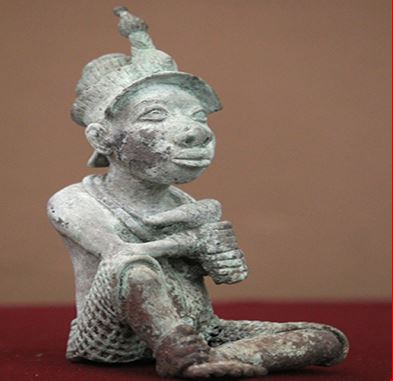 Mexico returns illegally exported bronze sculpture to Nigeria