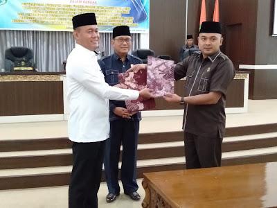 7 Fraksi Sepakat Setujui LKPJ Bupati 2018 & Perubahan OPD No 8 Th 2016