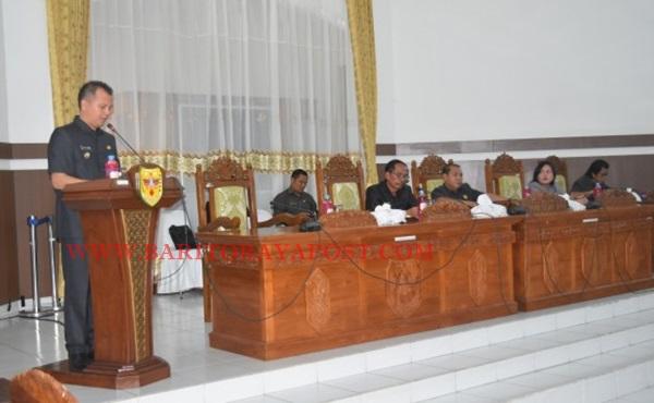 Bupati Gunung Mas Sampaikan Empat Bahasan Jawaban Pandangan Umum Fraksi-Fraksi di DPRD Gumas